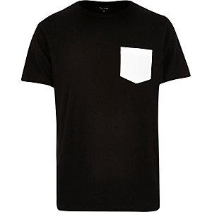 Black textured chest pocket t-shirt