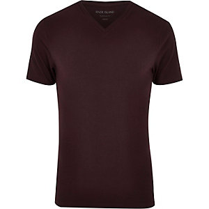 Dark red V-neck muscle fit t-shirt