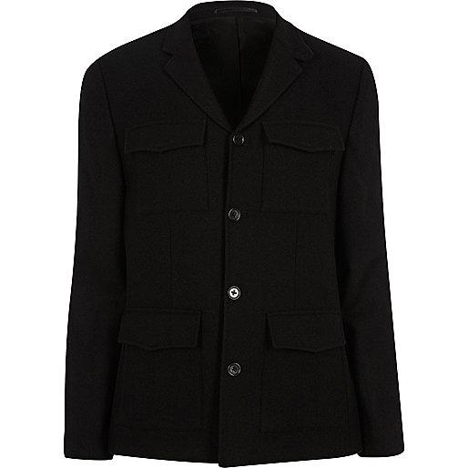 Blazer noir cintré avec poche plaquée