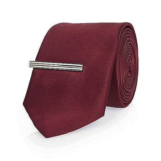 Red clip tie