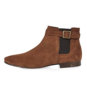 Medium brown buckle strap Chelsea boots