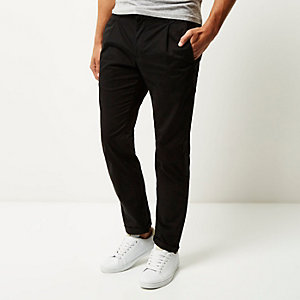 Black slim pleated pants