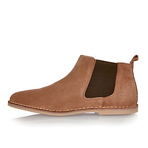 Medium brown Chelsea boots