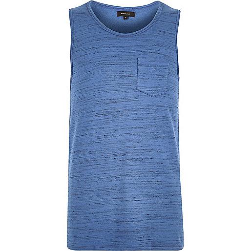 Blaues Trägertop mit Tasche