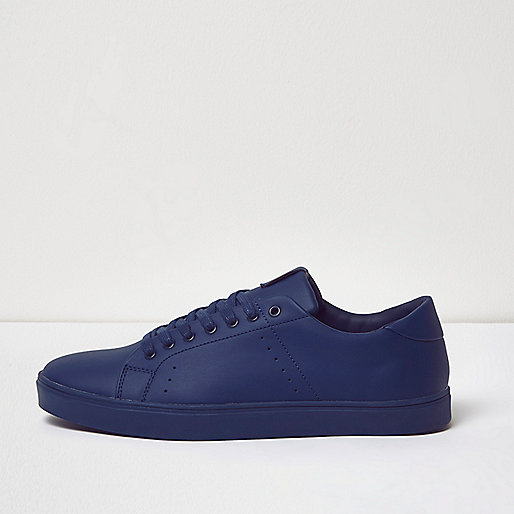 Blue tonal sneakers