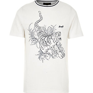 White oriental print t-shirt