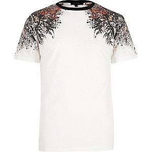 White oriental shoulder print t-shirt