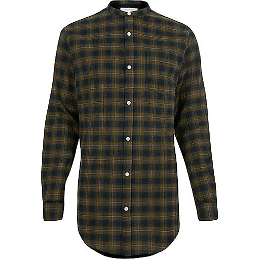 Chemise longue à carreaux verte sans col