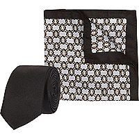 Black print pocket square and tie set