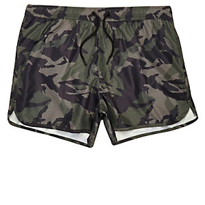 Green camouflage runner swim trunks