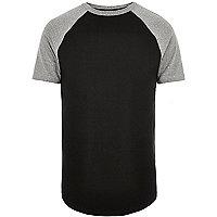 Schwarzes, figurbetontes Raglan-T-Shirt