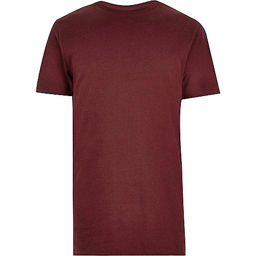 Dunkelrotes, langes T-Shirt