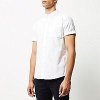 Weißes, schmales, kurzärmliges Oxford-Hemd