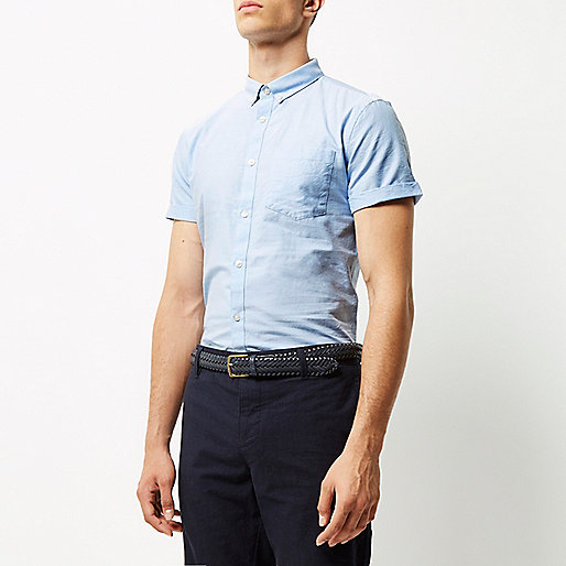 Schmales, blaues Oxford-Hemd mit kurzen Ärmeln