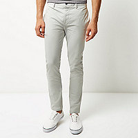 Pantalon chino coupe skinny grège