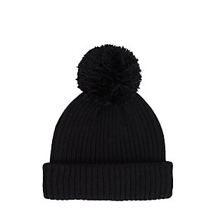 Black bobble fisherman beanie