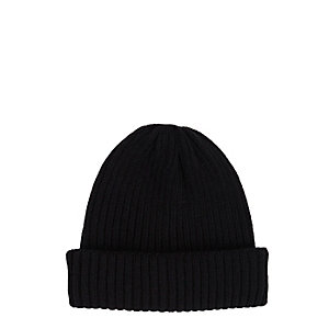 Black fisherman beanie hat