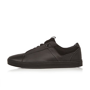 Black minimal trainers