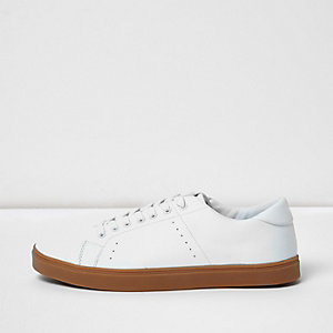 White contrast sole sneakers