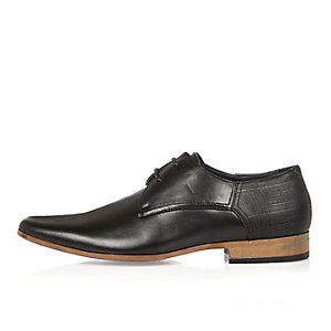 Black embossed smart shoes