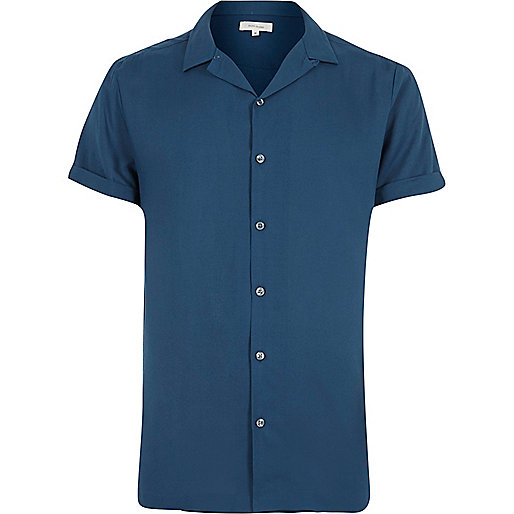 Blue revere collar short sleeve shirt