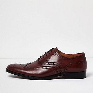 Chaussures Richelieu en cuir rouge foncé