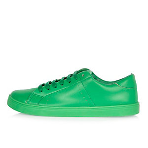 Green tonal sneakers