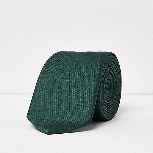 Green smart silky tie