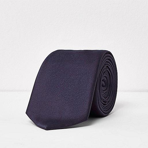 Plum smart tie