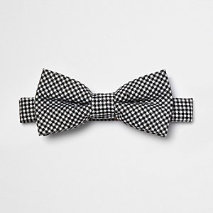 Black puppytooth print bow tie
