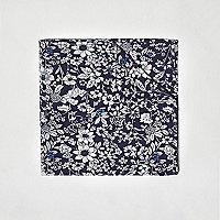 Blaues Einstecktuch mit Blumenmuster