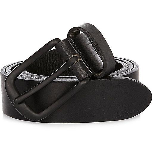 Black matte leather belt