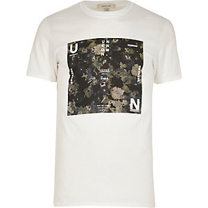 White camouflage print t-shirt