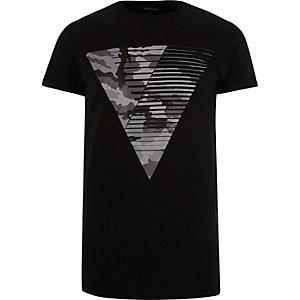 Black camouflage triangle print t-shirt