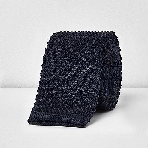 Cravate en maille bleu marine