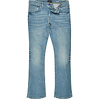 Clint – Mittelblaue Bootcut Jeans