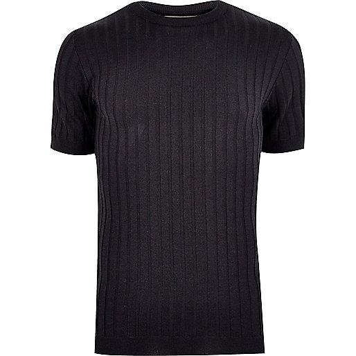 Marineblaues, geripptes T-Shirt