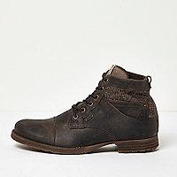 Braune Arbeitsstiefel aus Leder mit Textileinsatz