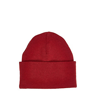 Red chunky knit beanie
