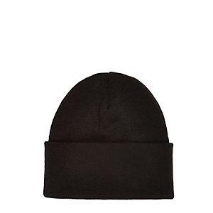 Black chunky knit beanie