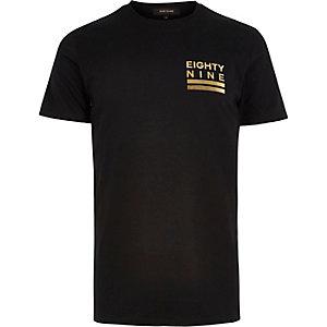 Black chest print t-shirt
