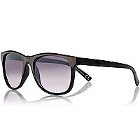 Black metallic retro sunglasses