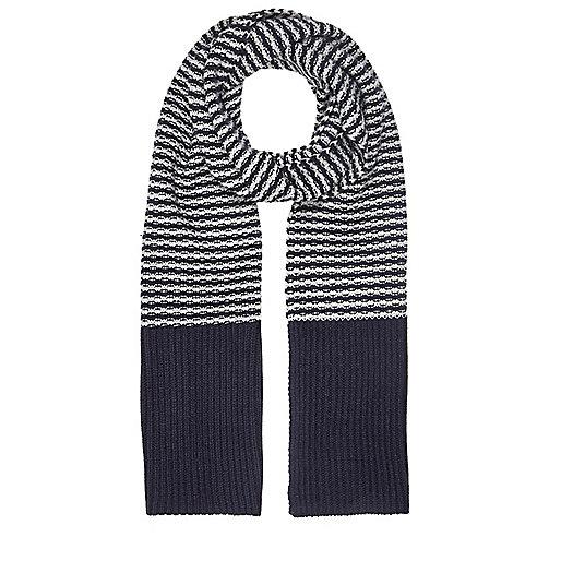 Blue stripe knit scarf