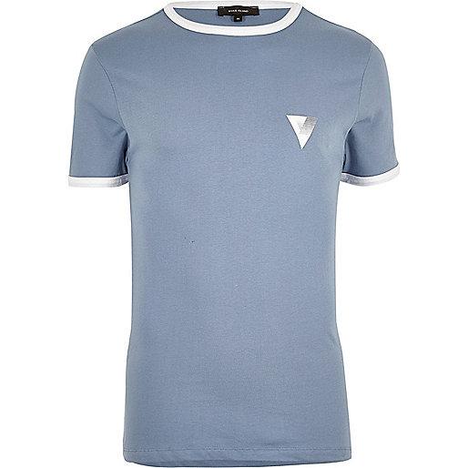 T-shirt ajusté bleu à bords contrastants style sport