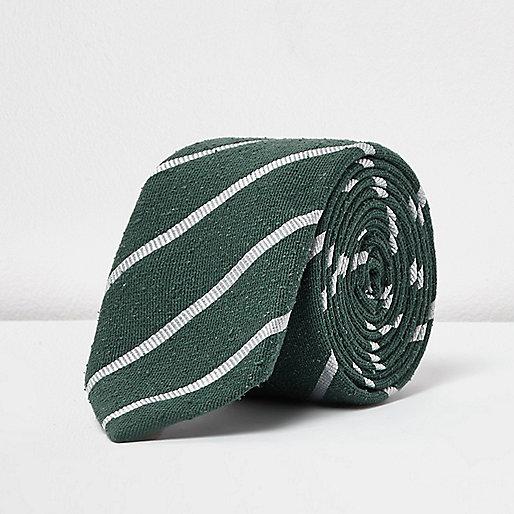 Elegante, grün gestreifte Krawatte