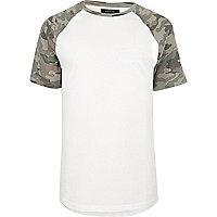 T-shirt camouflage blanc à manches raglan