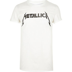 White Metallica band T-shirt