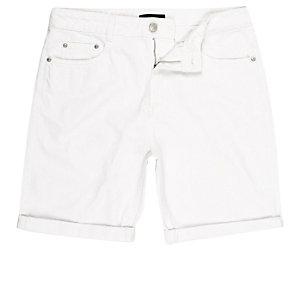 ADPT – Weiße Jeansshorts