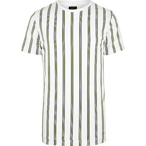 T-shirt ADPT blanc à rayures verticales vertes