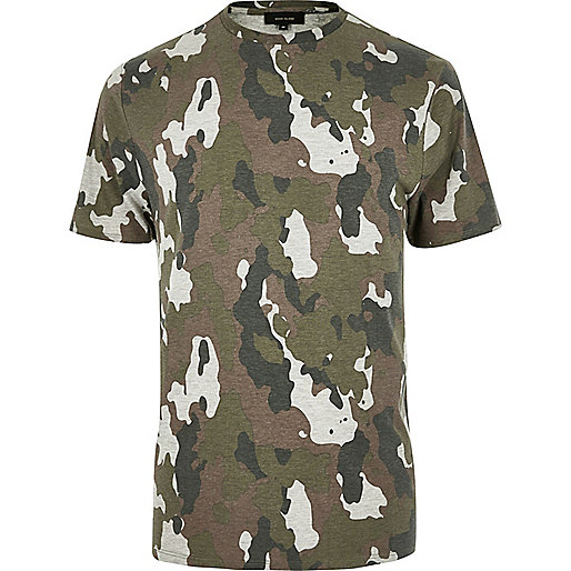 Meliertes T-Shirt mit Camouflage-Muster in Khaki